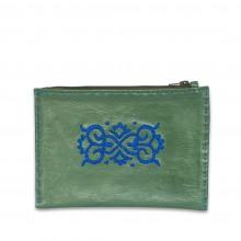 bestickte Pouch aus Leder in grün und blau